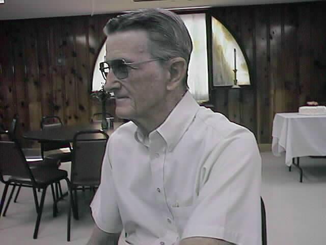 2001-Bob%20Oates1